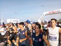CADDEBOSTAN - İstanbul'u Koşuyorum Yarışları Renkli Görüntülere Sahne Oldu