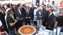 HAZRETI HÜSEYIN - Konya'da Vatandaşlara Aşure İkramı
