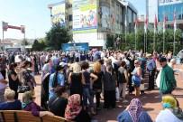 İLAHİYATÇI - Maltepe'de 25 Bin Kişiye Aşure Dağıtıldı