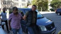 CINAYET - Silahlı Saldırgan Polisin Havaya Uyarı Ateşi Açması Sonucu Yakalandı
