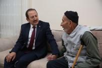 TUGAY KOMUTANI - Vali Ali Hamza Pehlivan Şehit Recep Eşiyok'un Ailesi Ve Gazi Selami Köksal'ı Ziyaret Etti