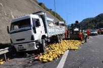 KARAYOLLARI - Bolu'da, TEM Otoyolu'nda Zincirleme Kaza Açıklaması 2 Yaralı