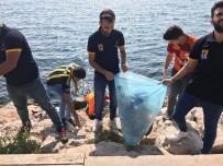 GENÇ FENERBAHÇELİLER - Ezeli Rakip 2 Takımın Öğrencileri Sahilde Çöp Topladı