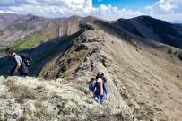 BAHÇECIK - Gümüşhaneli Dağcılardan Bol Zirveli Yürüyüş
