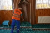 BELEDİYE BAŞKANLIĞI - İnönü'de Camiler Ve Park Bahçeler İlaçlanıyor