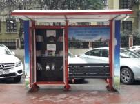 KÜTÜPHANE - İzmit'te Sokakta Kitap Var