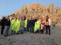 NEMRUT DAĞI - Kazakistanlı Gazeteciler Nemrut Dağına Hayran Kaldı