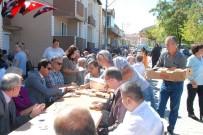 EMNİYET MÜDÜRÜ - Keşan'da 20 Kazan Aşure Dağıtıldı