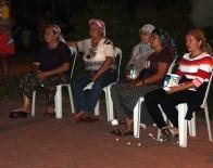 SİNEMA SALONU - Köy Halkının Sinema Keyfi