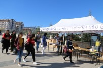 EMNIYET GENEL MÜDÜRLÜĞÜ - Nevşehir Emniyeti NEVÜ Öğrencilerine Hoş Geldin Standı Açtı
