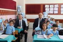 KIRTASİYE MALZEMESİ - Şahinbey'de 30 Bin Öğrenciye Kırtasiye Yardımı