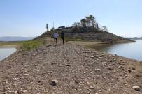 İLKBAHAR - Sular Çekilince Adaya Yol Açıldı