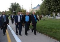 BİNALİ YILDIRIM - TBMM Başkanı Yıldırım, Özbek Milletvekilleriyle Yürüyüş Yaptı