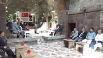 BİTLİS - Vali Ustaoğlu'ndan Birlik Vakfına Ziyaret