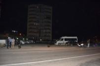 ALACAK VERECEK MESELESİ - Adana'da Silahlı Kavga 1'İ Ağır 3 Yaralı