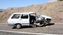 MUSTAFA YıLDıRıM - Adıyaman'da İki Otomobil Çarpıştı Açıklaması 6 Yaralı