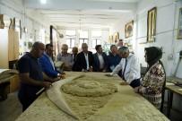 YUSUF ZIYA GÜNAYDıN - Başkan Günaydın, Ahşap Sanat Merkezini İnceledi