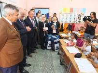 Başkan Kafaoğlu'ndan Öğrencilere Kırtasiye Seti