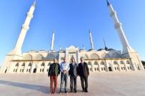 DİYANET İŞLERİ BAŞKANI - Diyanet İşleri Başkanı Erbaş, Çamlıca Camii'yi Ziyaret Etti