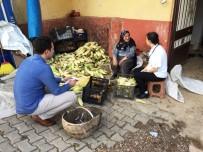 KOZLUCA - İzmit Belediyesi'nden Köylere Hep Destek