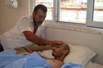 SOSYAL GÜVENLIK KURUMU - Kanser Hastası Oğlu İçin Yardım Bekliyor