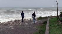 Zonguldak'ta 'Kestane Karası Fırtınası'