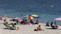 KONYAALTI SAHİLİ - Antalya'da Sahillerde Yoğunluk