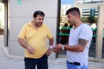 TAKSİ ŞOFÖRÜ - ATM'de Bulduğu Parayı Sahibine Teslim Etti