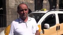 Diyarbakırlı Taksici Aracında Unutulan Cüzdanı Sahibine Teslim Etti