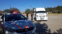 OKUL SERVİSİ - Jandarma Ekipleri Okul Çevresi Ve Servislerini Denetledi