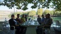 CAN AKSOY - Kaymakam Aksoy Gazetecilerle Bir Araya Geldi