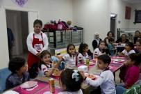 KÜÇÜKYALı - Minik Öğrencilerin 'Sevgi Kafe' Keyfi
