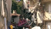 EVDE TEK BAŞINA - Bursa'daki Patlamada Hasar Gören Bina Yıkılıyor