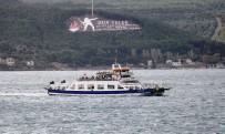 FERİBOT SEFERLERİ - Çanakkale'de Deniz Ulaşımına Fırtına Engeli