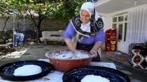 ÇAĞıRKAN - Eşinden Öğrendiği 'Göçmen Çöreğini' Yarım Asırdır Pişiriyor