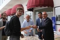 MEHMET YÜCE - Sapanca Belediyesi'nden Üniversite Öğrencilerine Aşure İkramı