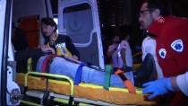 MECIDIYEKÖY - Şişli'de Otobüs Köprü Ayağına Çarptı