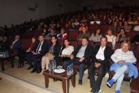 ALTAN ERKEKLİ - Altan Erkekli, Edremit'te Tuncel Kurtiz Anısına Sahneye Çıktı