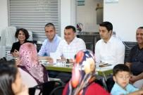 OKUL SERVİSİ - Başkan Yücel, Kız Yurdunda Ailelerle Buluştu