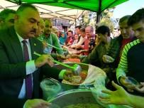 TÜRKİYE EMEKLİLER DERNEĞİ - Çaycuma'da Vatandaşlara Aşure Dağıtıldı