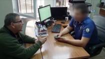 MİDE AMELİYATI - Eşinin Ameliyatı İçin Bankadan Çektiği Parayı Düşürdü, Hayırsever Vatandaş Buldu Polise Teslim Etti