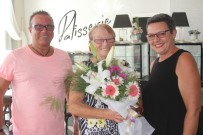 YUGOSLAVYA - Türkiye Aşığı Alman Turistin 50. Tatiline Pastalı Kutlama