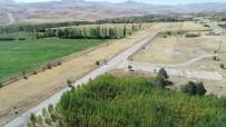 İSMET İNÖNÜ - Türkiye'nin İlk Yerli Uçağı İlk Kez Bu Piste İndi