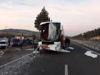 Uşak'ta Otobüs Kazası Açıklaması 1 Ölü, 26 Yaralı