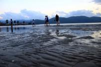 METEOROLOJI GENEL MÜDÜRLÜĞÜ - Denizde Ürküten Su Çekilmesi