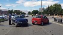 Erzincan'da Trafik Kazası Açıklaması 4 Yaralı