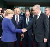 ANGELA MERKEL - Merkel Cumhurbaşkanı Erdoğan'ı uğurladı