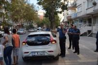 KÜÇÜK ÇOCUK - Otomobilde Bırakılan Küçük Çocuk Polisi Alarma Geçirdi
