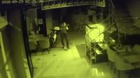 YUSUF ASLAN - Pişkin Hırsızdan Güvenlik Kameralarına Hareket