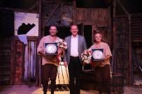 OYUNCULUK - Usta Tiyatroculardan Mükemmel Performans
